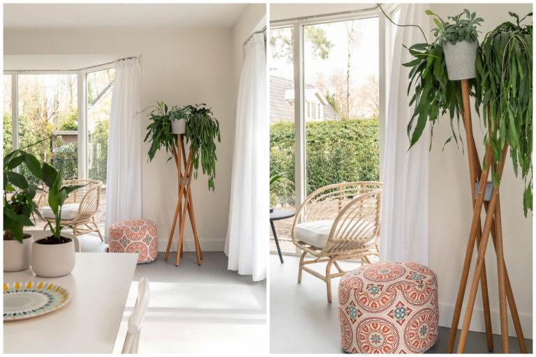 Woudstee Cornelia woonkamer met erker en planten