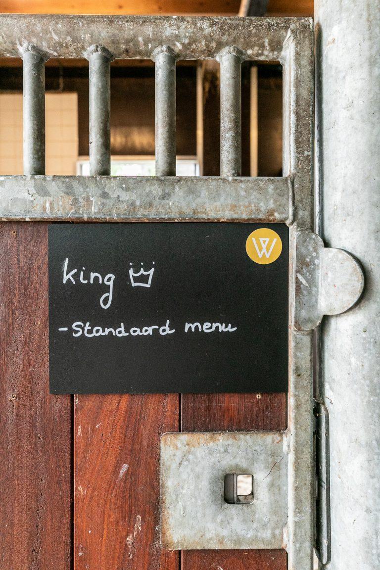 Naambordje merrie King bij Antonia Woudstee