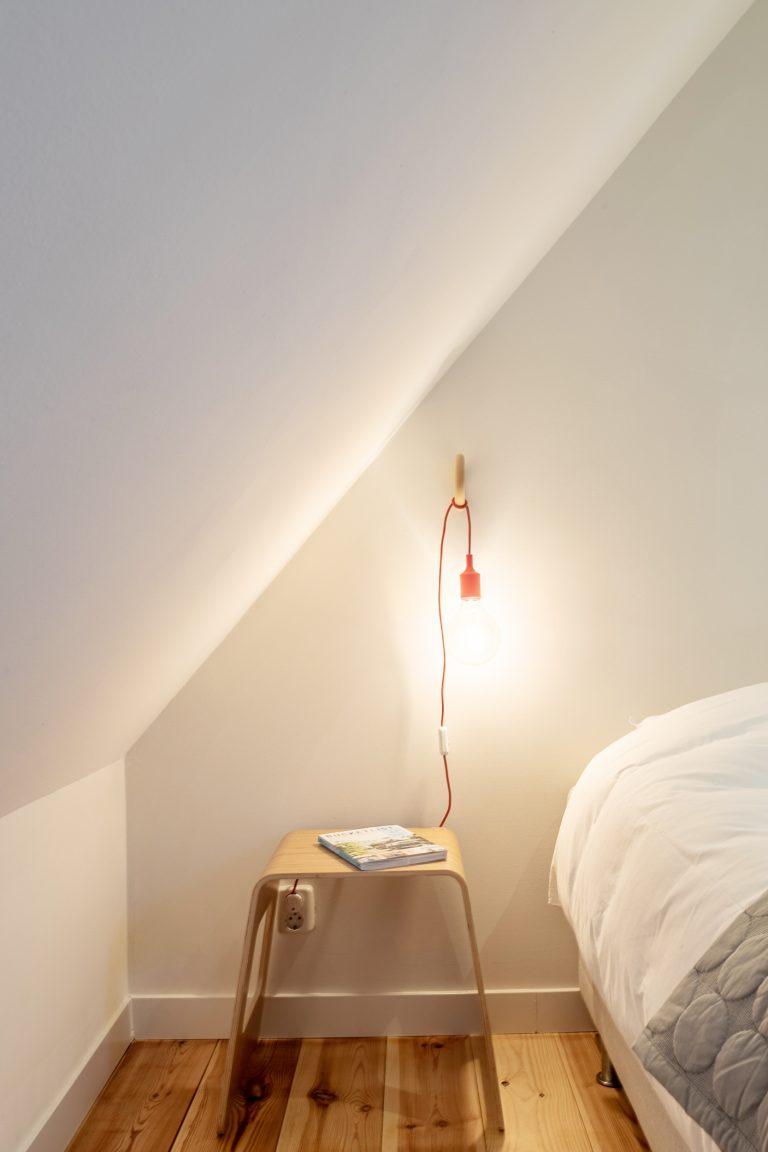Slaapkamer nachtkastje Antonia bij Woudstee